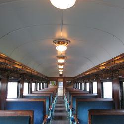 昔の客車内部
