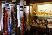 5月人形大展示中! 粟生人形 店内鯉のぼりです。 ~出会いの節句飾りあります~