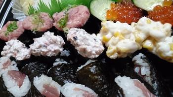 夕食は…お寿司