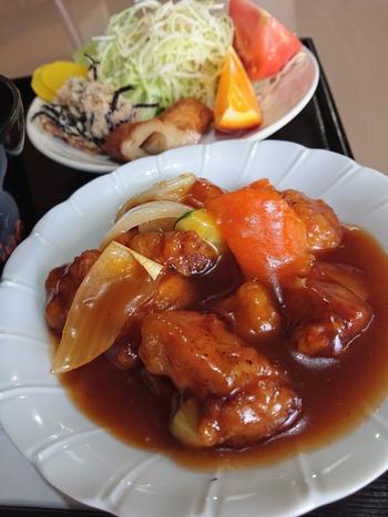 絶品酢豚の日替り【喫茶あいかむ】