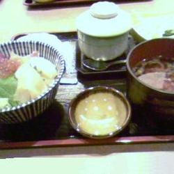 ミニ海鮮丼定食