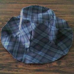 チェック帽子