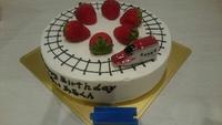 プラレール(新幹線こまち)と線路のデコレーションケーキ