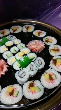 今年のお盆はどのように?おうちで過ごすならお料理配達しますよ♪オードブル・お寿司・お刺身!