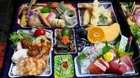 豊田市中根町へ法事の仕出し料理を配達しました!割子・折詰・寿司承ります。