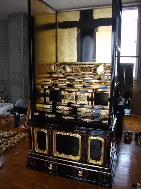 安城のお客様の浄土真宗大谷派の仏壇を洗濯(クリーニング)中