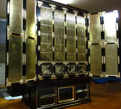 岡崎市のお客様の浄土宗用の仏壇のクリーニングがそろそろ完成です