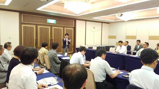 豊田市の木曜の朝は、営業戦略会議を行なっています