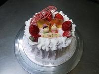 ひなまつりのケーキです。