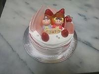 ひな祭りケーキです。