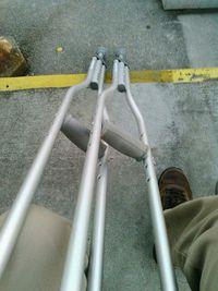 初めての松葉杖