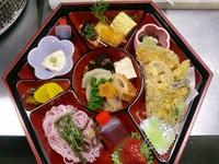 豊田市某所のお寺さんへ仕出し料理を配達! 2011/03/27 21:59:07