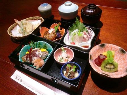 豊田市でお食い初めのお祝いをするなら当店へぜひどうぞ!