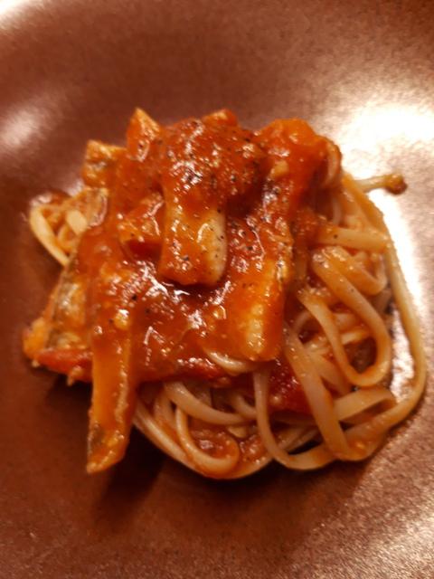 穴子のトマトソースのパスタ