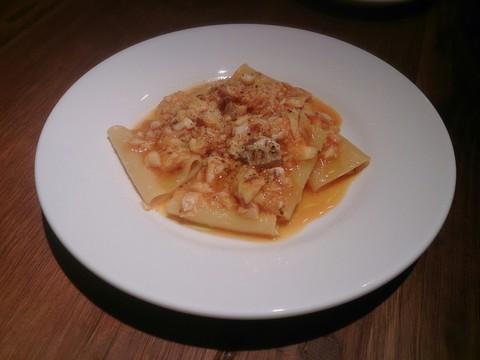 チャコールのディナー アラカルト♡ パッケリとタイのトマトパスタ