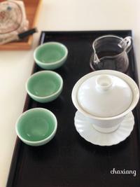 普洱熟茶とパンダの食べる麻辣醤
