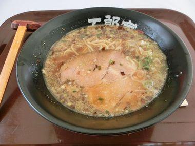 五郎家のおなじみラーメン♪鹿児島ラーメンメグリア本店