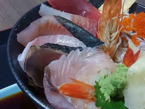 仲買の地魚丼@牧原鮮魚店