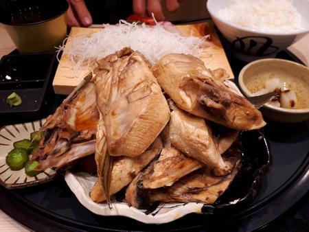 魚通は是非!超てんこ盛り定食@魚とsakana(牧原鮮魚店)