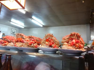 蒲郡の山女魚でランチ♪ 高足蟹がお出迎えです