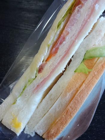 シノブフーズのサンドイッチ