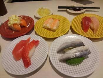 魚べい(豊田市前田町)で美味しい寿司を食べました♪
