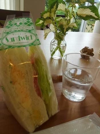 病院のカフェで朝食♪