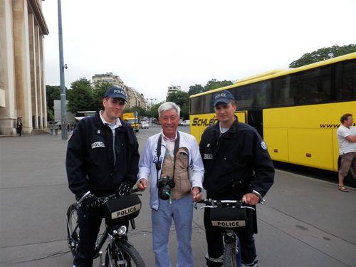 フランスで逮捕さる!