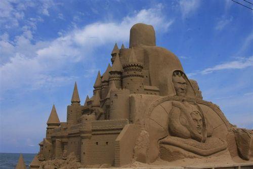 千里浜の砂像