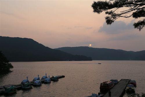 桧原湖の夕景