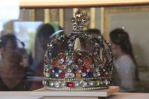 ルイ14世の王冠が目の前に!