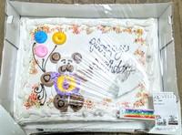 ついに買ってしまった(笑)コストコの巨大ケーキ。