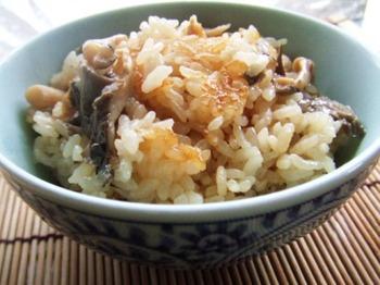 ヒラタケと油揚げの炊き込みご飯