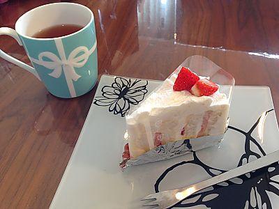 ブールブールさんのいちごショートケーキとりんごのクラフティ(豊田市)