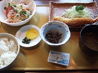 まるは食堂(ラシック店)でランチ(名古屋)