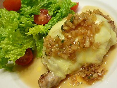 鶏肉のモッチーズロースト ~オニオンソース~