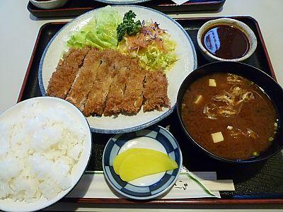 久しぶりのとんとん亭でロースカツ定食♪(豊田市)