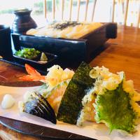 美味しいうどんに天ぷらが最高です(^^♪