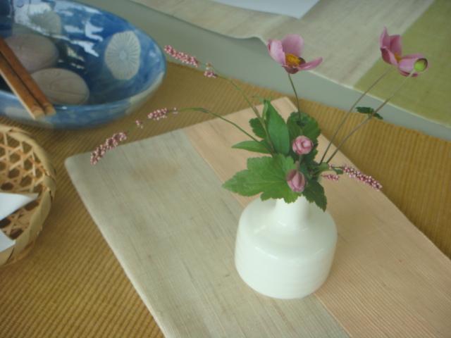 今日の茶花・テーブル茶道