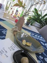 今日の茶花・お菓子