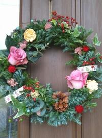 12月生花レッスンはクリスマスとお正月アレンジ