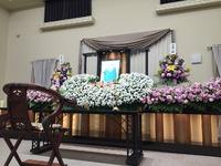 祭壇を飾る