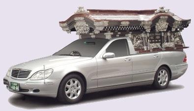 消えゆく宮型霊柩車