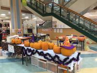 ハロウィンに向け大きなかぼちゃでランタンつくり カービング