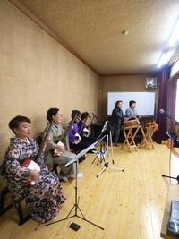 三味線・和太鼓・民謡の競演 舞台つき宴会場