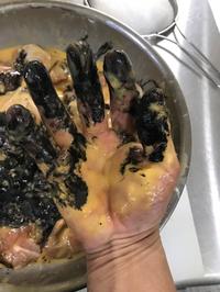 お客様より 黒い竹炭入りの唐揚げは絶対入れてね!