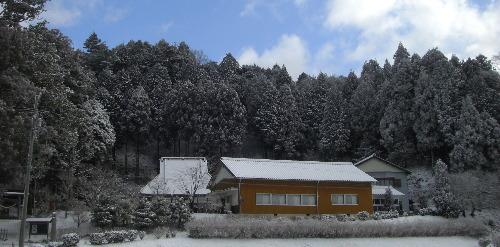 雪景色の平勝寺