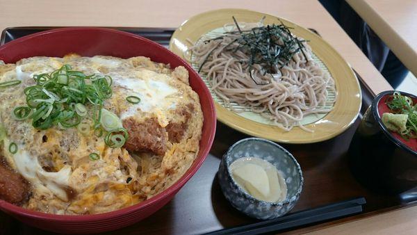 本日オープン丼や七五郎☆