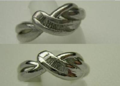 指輪の「ほぼ新品」仕上げ。