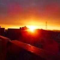朝焼けの空から突然の日の出
